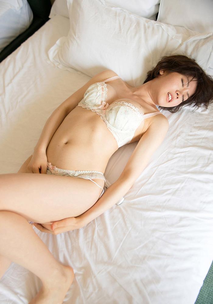 【下着姿エロ画像】ある意味、全裸よりもエロくてセクシーな下着姿www 05