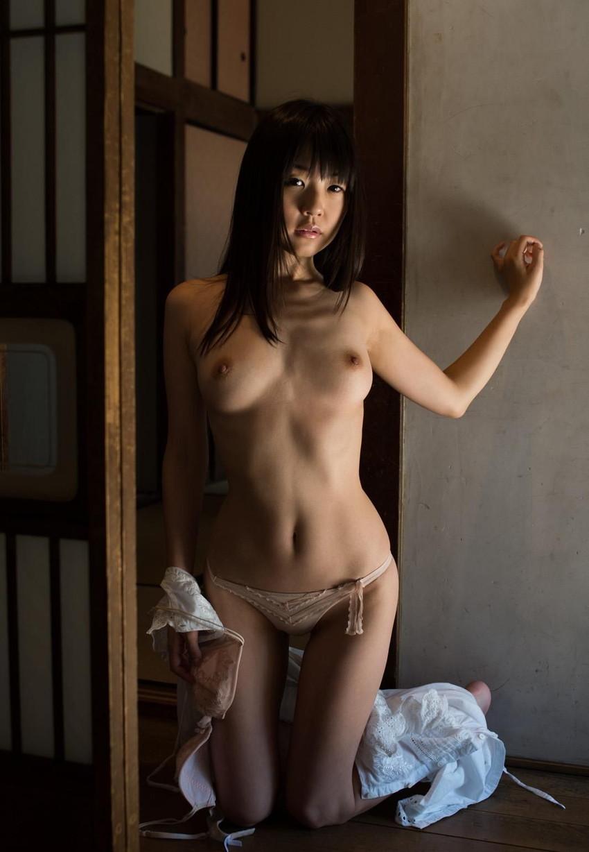 【つぼみエロ画像】ロリ系?妹系?フレッシュな魅力で魅了するAV女優のつぼみ! 06