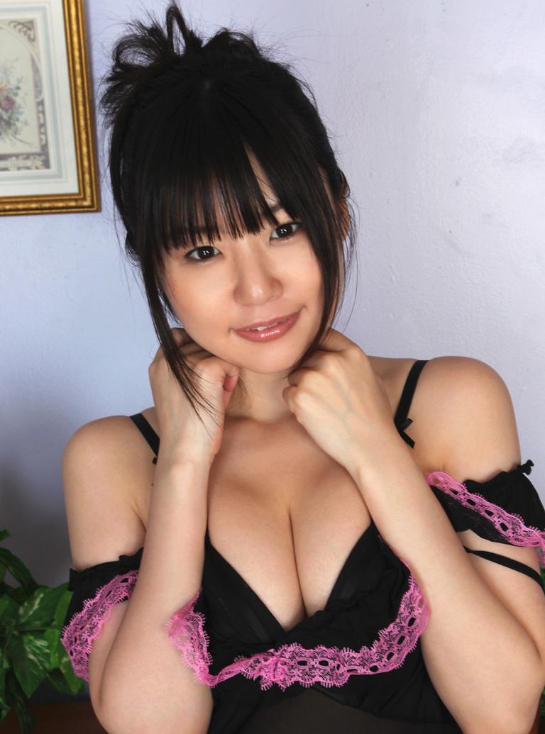 【つぼみエロ画像】ロリ系?妹系?フレッシュな魅力で魅了するAV女優のつぼみ! 38