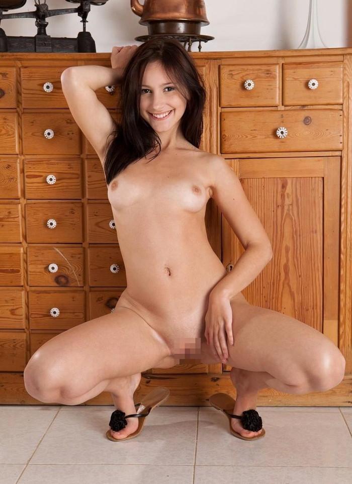 【海外股間エロ画像】海外の女の子たちの股間の画像集めてたら勃起したwww 06