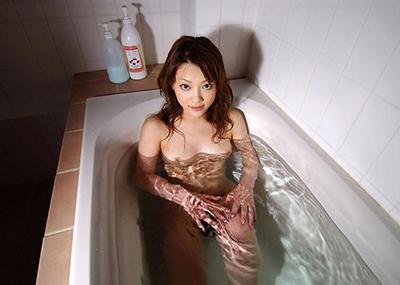 【入浴エロ画像】入浴中は男も女も当然、全裸だからこそ見てみたいとおもうのも道理だろw