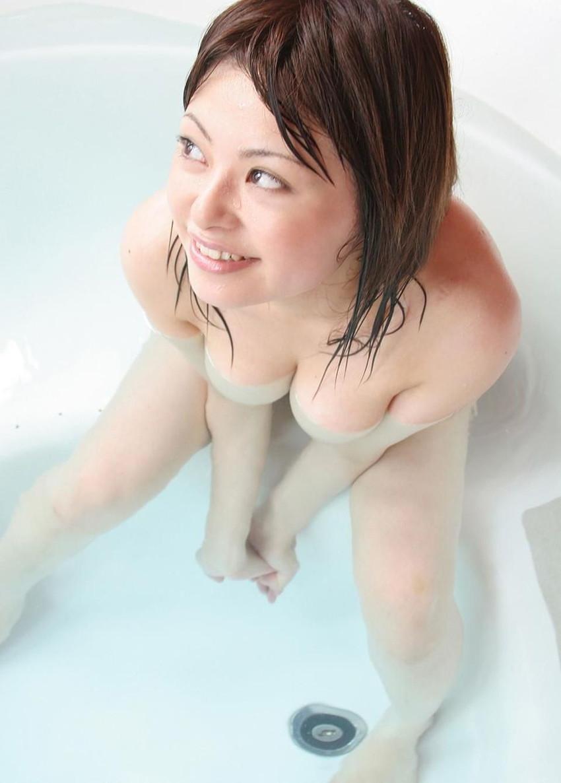 【入浴エロ画像】入浴中は男も女も当然、全裸だからこそ見てみたいとおもうのも道理だろw 06