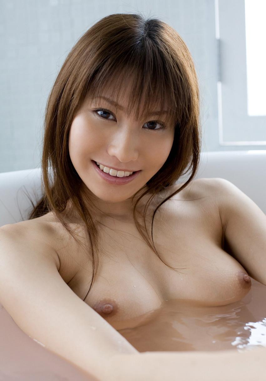 【入浴エロ画像】入浴中は男も女も当然、全裸だからこそ見てみたいとおもうのも道理だろw 30
