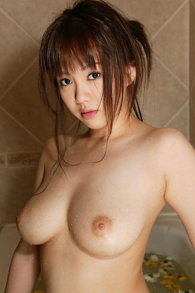 【入浴エロ画像】入浴中は男も女も当然、全裸だからこそ見てみたいとおもうのも道理だろw 37