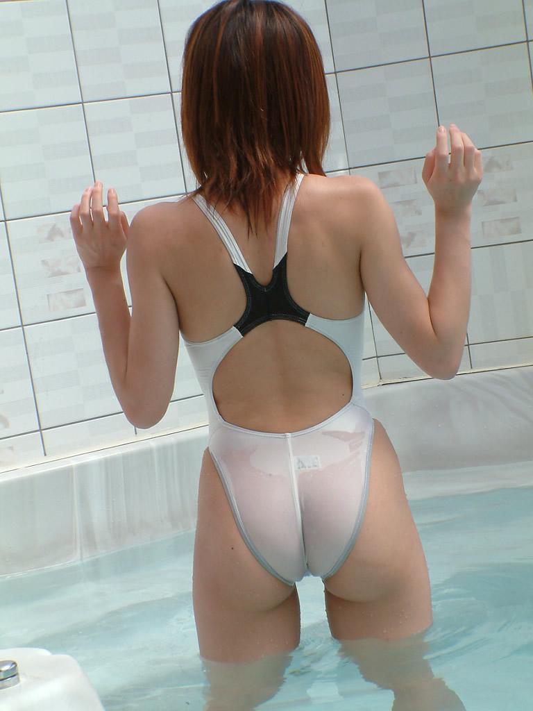【競泳水着エロ画像】ワイ、勘違いしてた!競泳水着ってもっと地味で色気のないものだと思ってた! 15