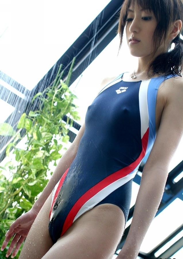 【競泳水着エロ画像】ワイ、勘違いしてた!競泳水着ってもっと地味で色気のないものだと思ってた! 36