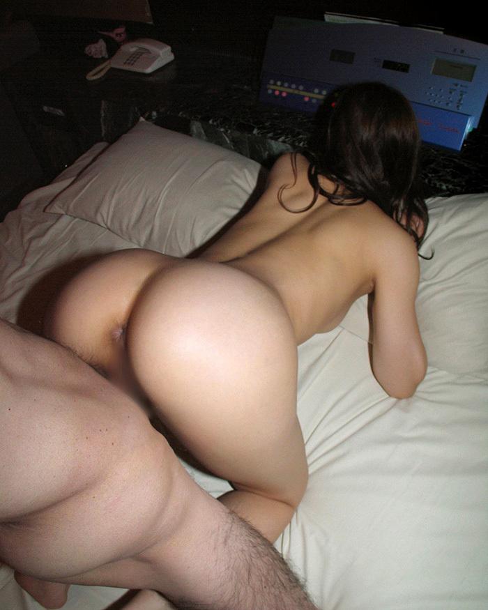 【バックエロ画像】ごくごく一般的にも親しまれているバックというセックスの体位 15