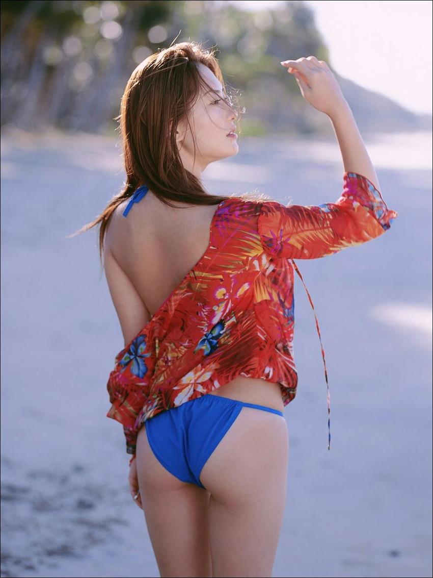 【水着エロ画像】夏にはまだ早いけど水着姿の女の子に思わずハァハァする画像ww