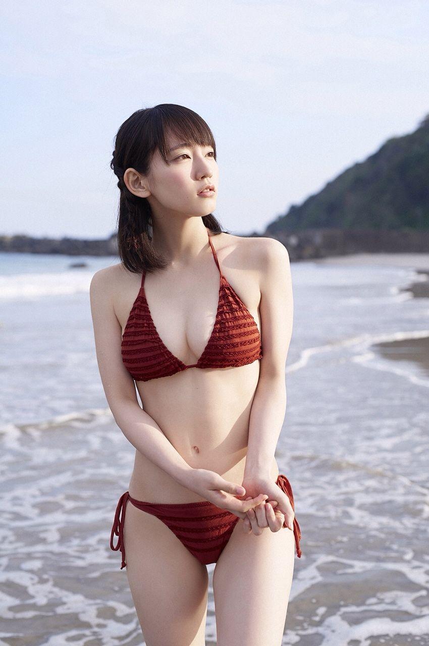【水着エロ画像】夏にはまだ早いけど水着姿の女の子に思わずハァハァする画像ww 21