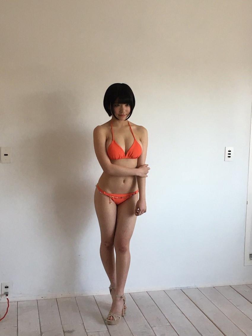 【水着エロ画像】夏にはまだ早いけど水着姿の女の子に思わずハァハァする画像ww 30