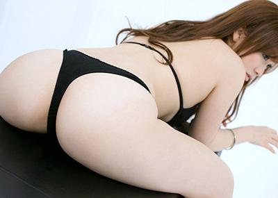 【Tバックエロ画像】女の子のお尻をさせにセクシーに美しく演出してしまう万能下着w