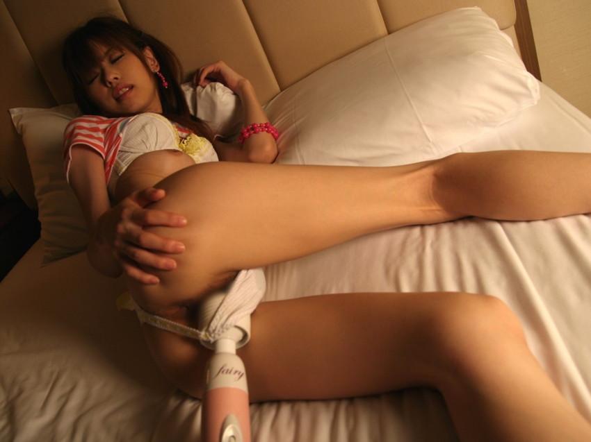 【電マ責めエロ画像】強烈な刺激で女の子を責めまくり!電マで責められる女の子! 35