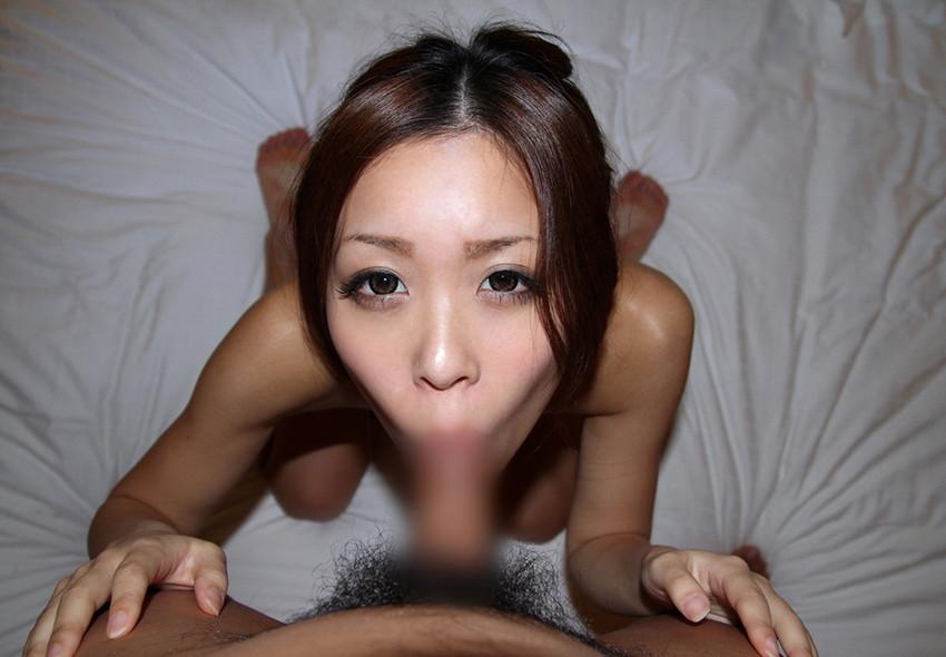 【全裸フェラチオエロ画像】全裸でチンポを求める女がエロすぎて勃起不可避なフェラ画像 42