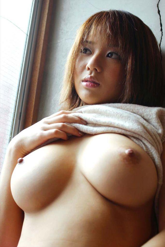 【おっぱいエロ画像】こんな可愛い女の子がおっぱいを見せ付けてくれるだと…!? 52