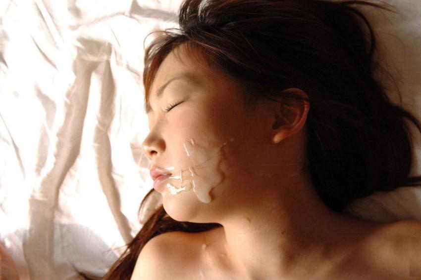 【顔射エロ画像】女の子の顔に男の欲望の汁をぶっかけて征服感を満たす顔射! 10