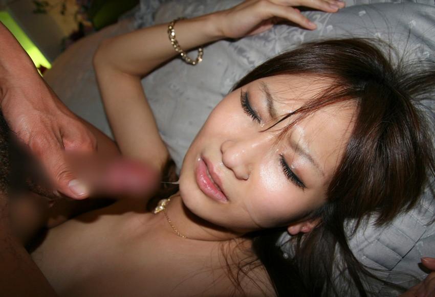 【顔射エロ画像】女の子の顔に男の欲望の汁をぶっかけて征服感を満たす顔射! 45