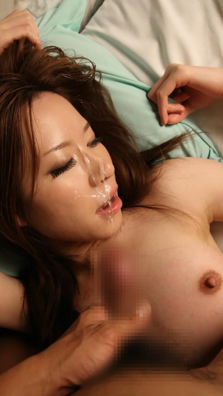 【顔射エロ画像】女の子の顔に男の欲望の汁をぶっかけて征服感を満たす顔射! 48