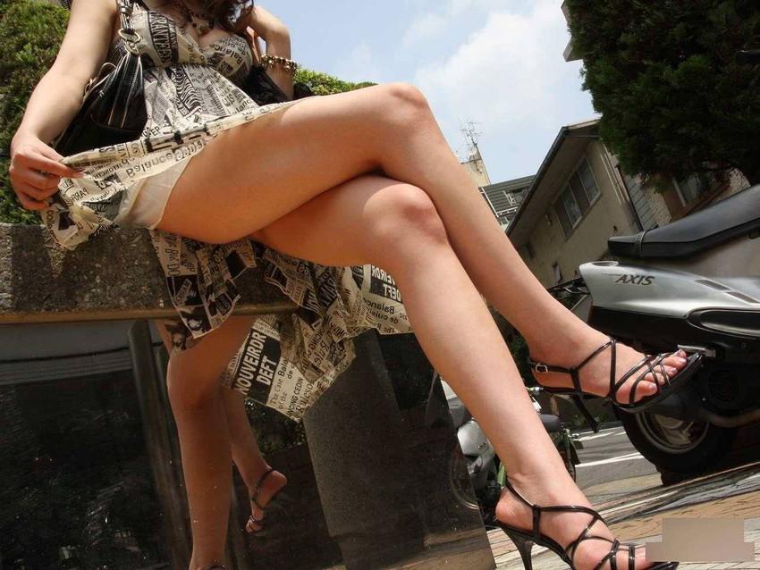 【美脚エロ画像】美しき脚線美!女の子のスラリと伸びた美脚を愛でる美脚エロ画像 08