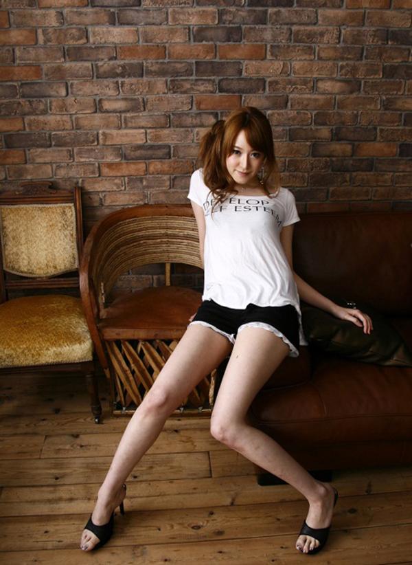 【美脚エロ画像】美しき脚線美!女の子のスラリと伸びた美脚を愛でる美脚エロ画像 13