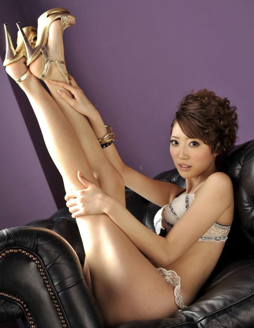 【美脚エロ画像】美しき脚線美!女の子のスラリと伸びた美脚を愛でる美脚エロ画像 16