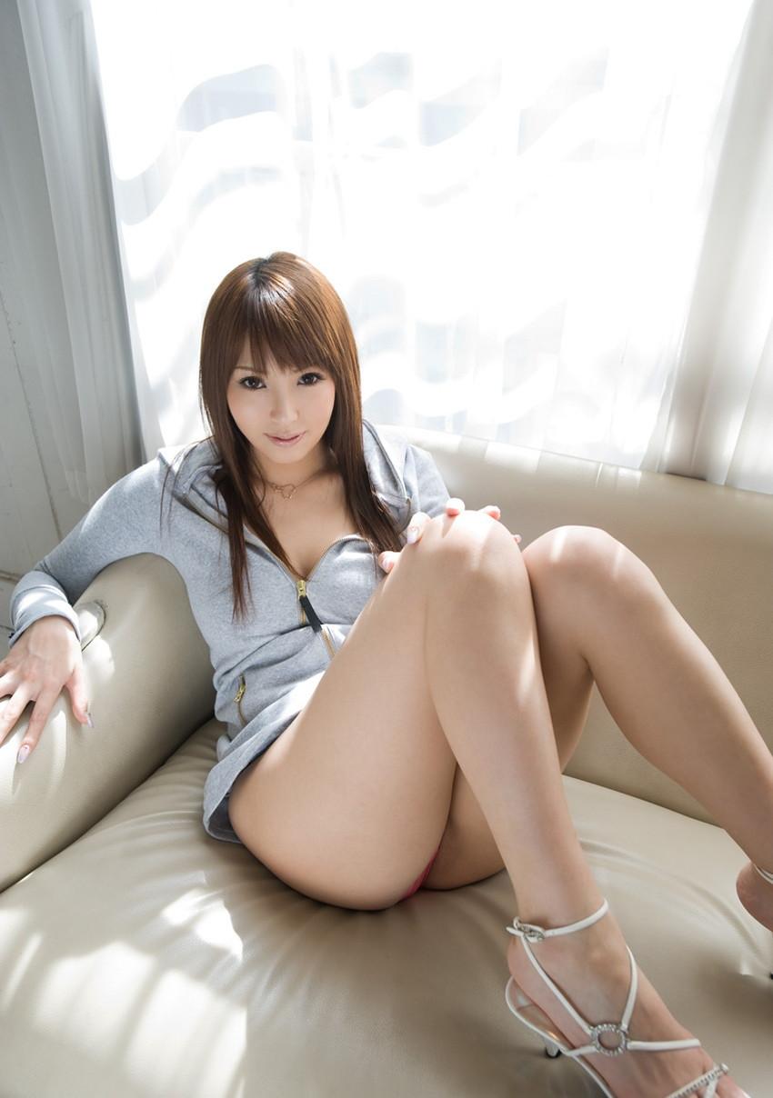 【美脚エロ画像】美しき脚線美!女の子のスラリと伸びた美脚を愛でる美脚エロ画像 17