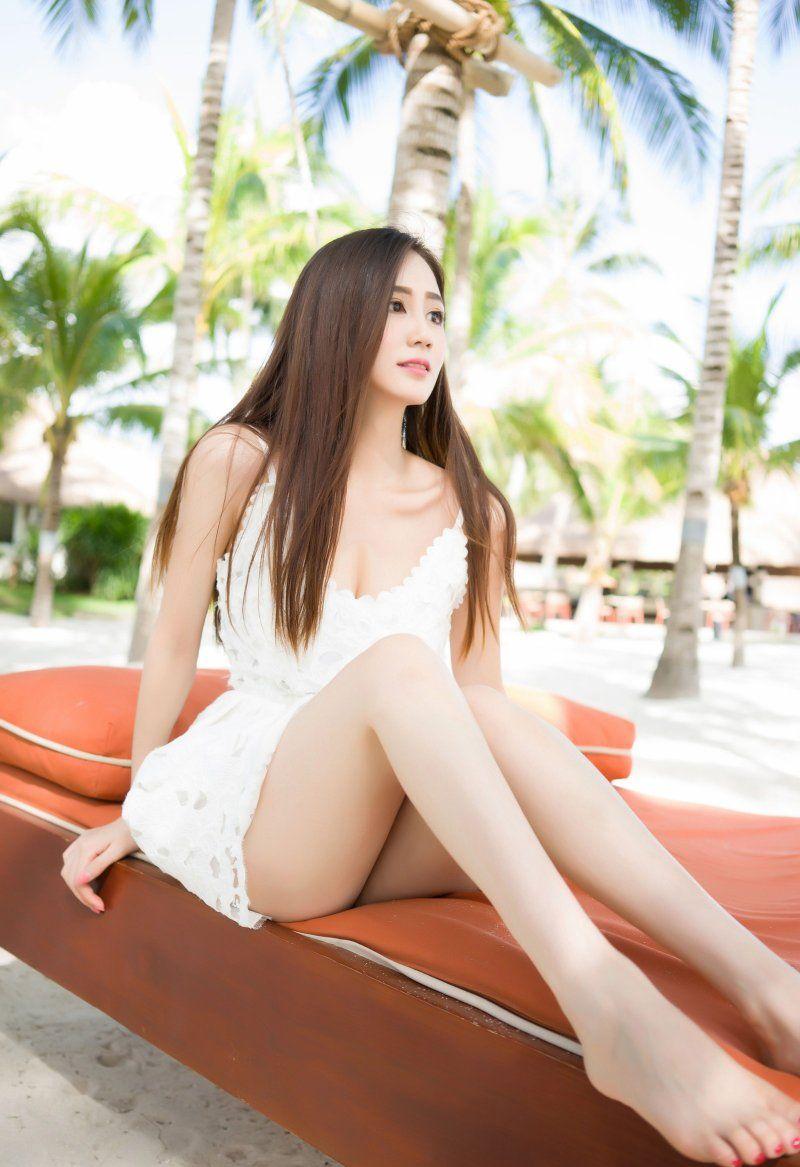 【美脚エロ画像】美しき脚線美!女の子のスラリと伸びた美脚を愛でる美脚エロ画像 28