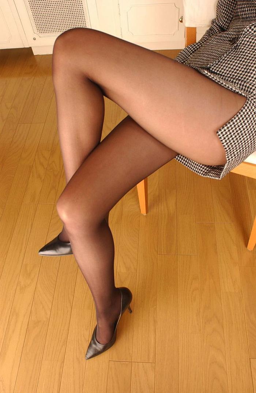 【美脚エロ画像】美しき脚線美!女の子のスラリと伸びた美脚を愛でる美脚エロ画像 52