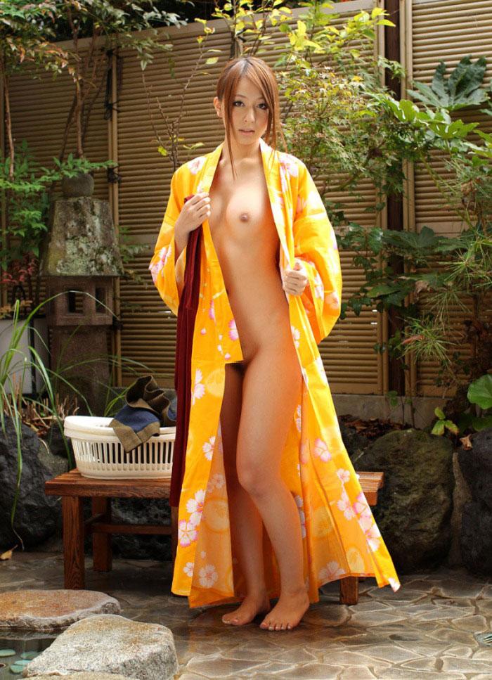 【和服エロ画像】日本人の心といえば和服!?和服姿の女の子のエロスがたまらん! 55