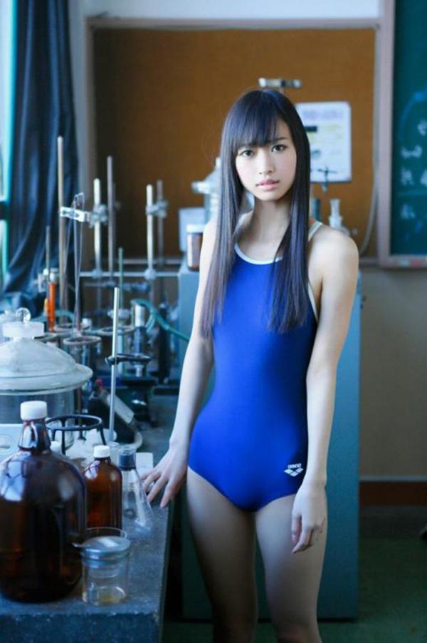 【スク水エロ画像】若かりし学生時代に抱いた劣情を思い出すスクール水着の女の子w 10