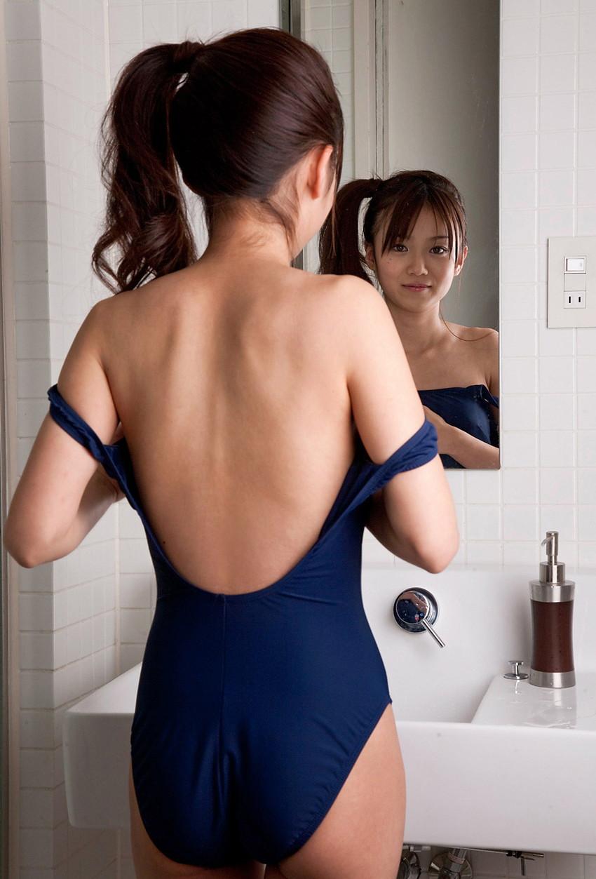 【スク水エロ画像】若かりし学生時代に抱いた劣情を思い出すスクール水着の女の子w 31