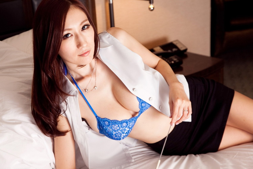 【JULIAエロ画像】美巨乳、もっと言えば神乳とも呼べるAV女優のJULIA特集! 04
