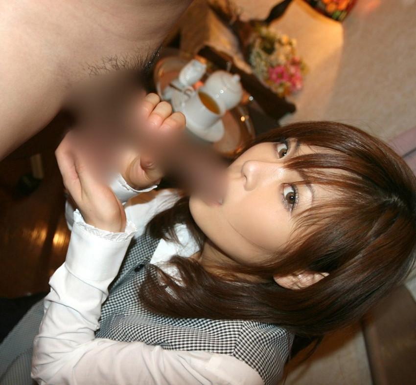 【着衣フェラチオエロ画像】拘りの着衣フェラ!着衣のままチンポにご奉仕する女! 12