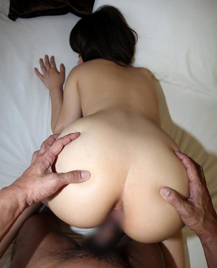 【バックエロ画像】バックでセックスしているカップルたちのエロ画像集めたった 20