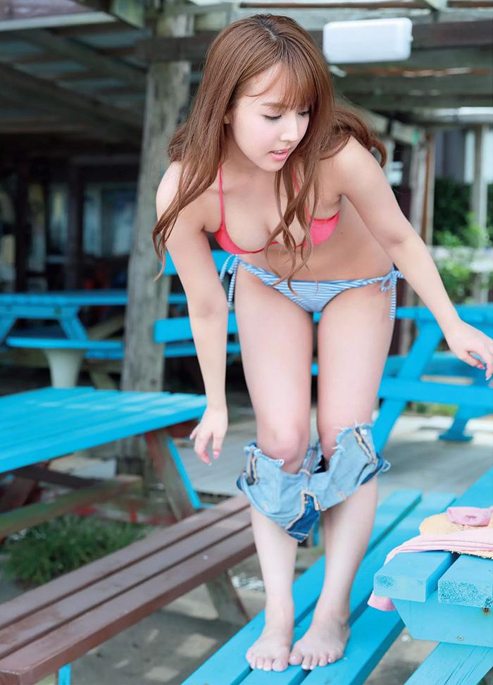 【三上悠亜エロ画像】元国民的アイドルグループ人気第一位の現人気AV女優といえばwww
