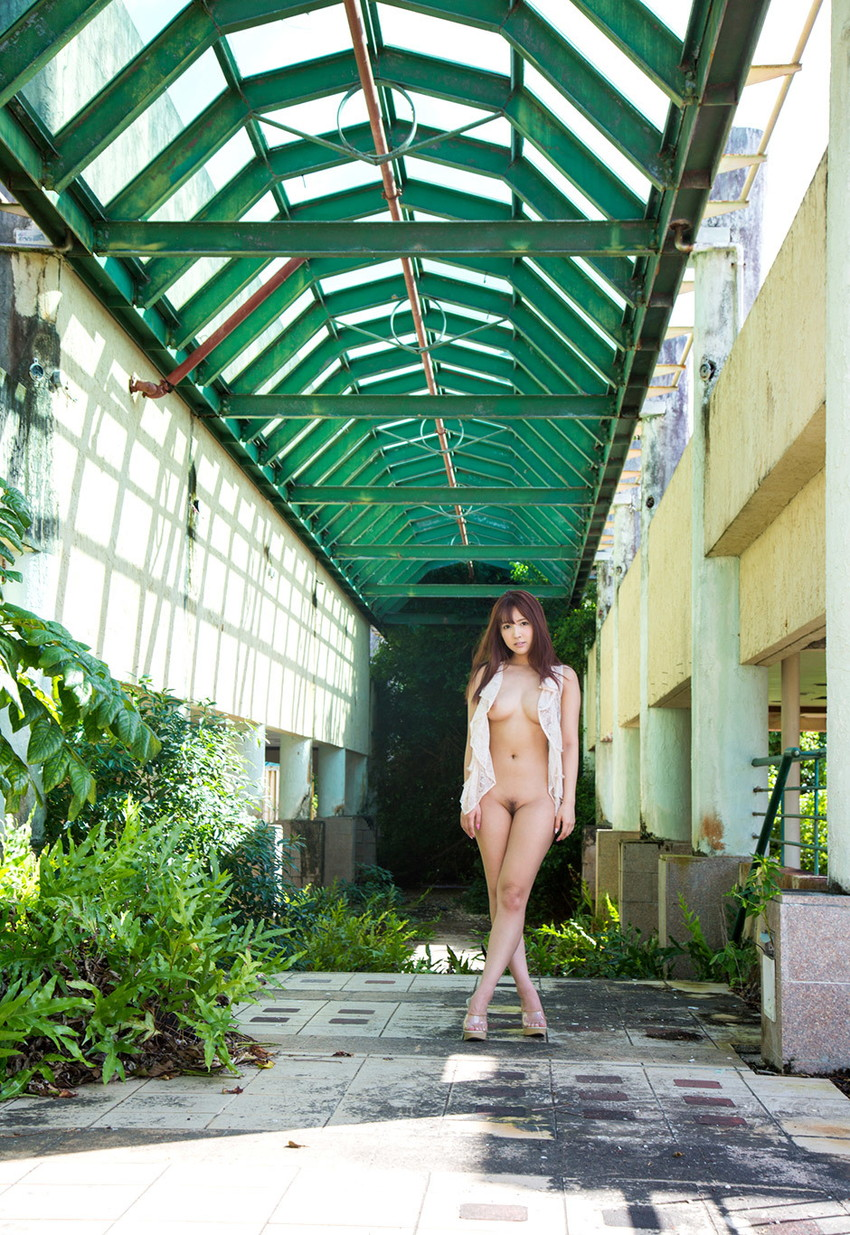 【三上悠亜エロ画像】元国民的アイドルグループ人気第一位の現人気AV女優といえばwww 43