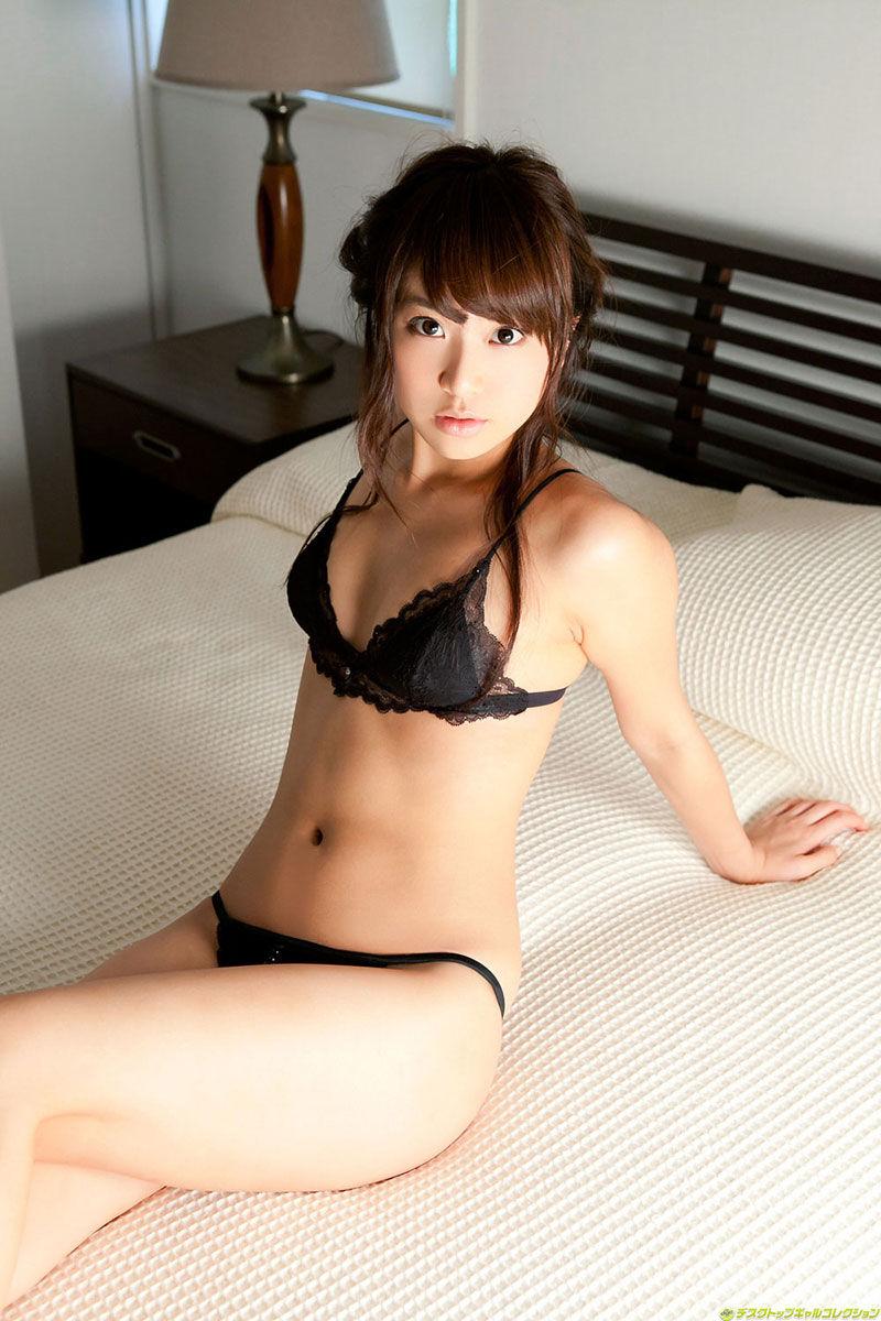 【下着姿エロ画像】セクシーな可愛さに思わずニヤニヤしてしまう下着姿の女の子特集! 30