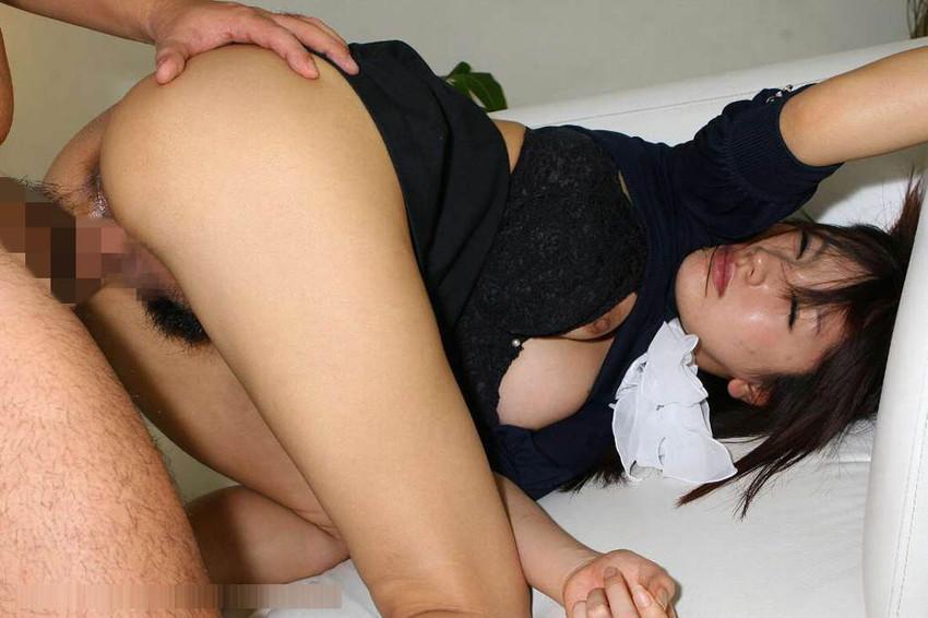 【着衣セックスエロ画像】乱れた着衣がセクシーすぎて草w着衣セックス画像 44