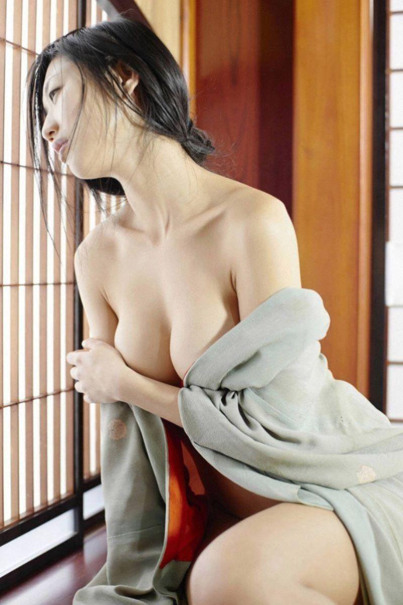【和服エロ画像】忘れちゃならない日本の心!和服のエロスに股間沸騰! 17