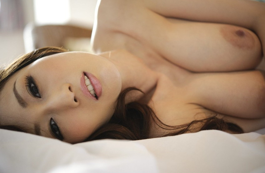 【JULIAエロ画像】美巨乳のワガママボディーの虜!JULIAさんのエロ画像 03