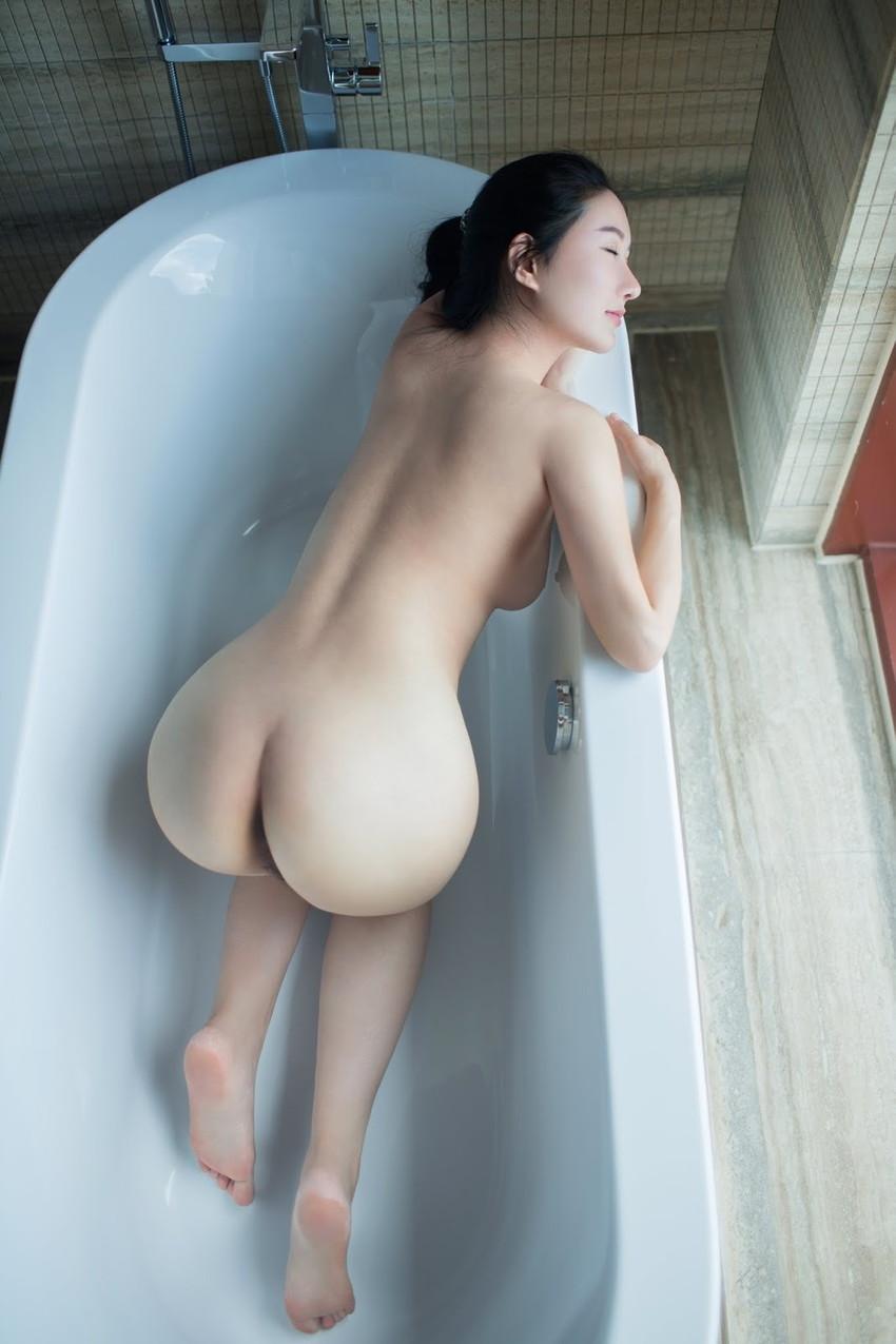 【美尻エロ画像】女の子らしい丸いお尻が最高!美尻といわれる女の子たち! 40