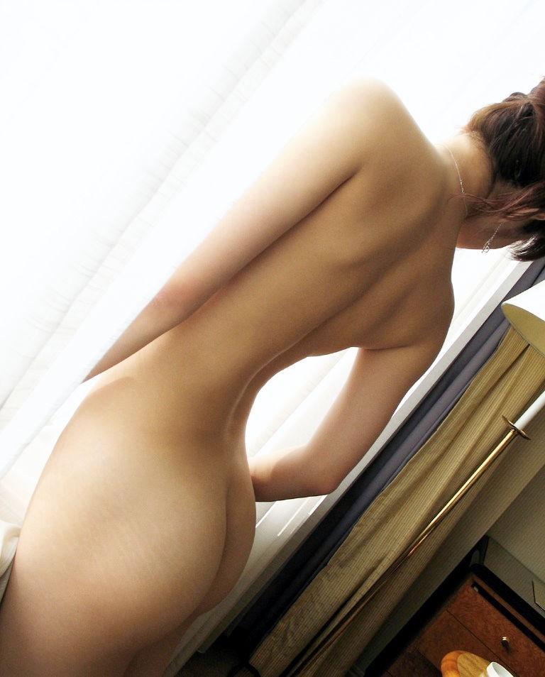 【美尻エロ画像】女の子らしい丸いお尻が最高!美尻といわれる女の子たち! 51