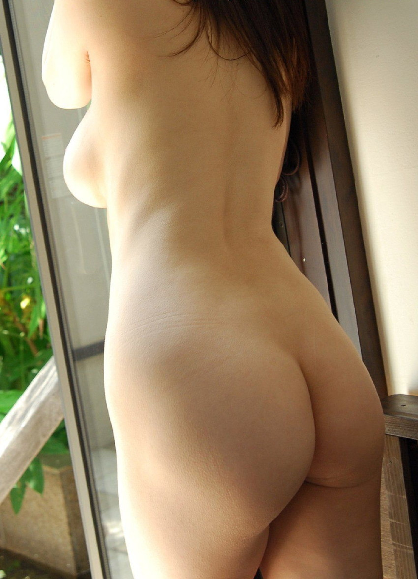 【美尻エロ画像】女の子らしい丸いお尻が最高!美尻といわれる女の子たち! 52