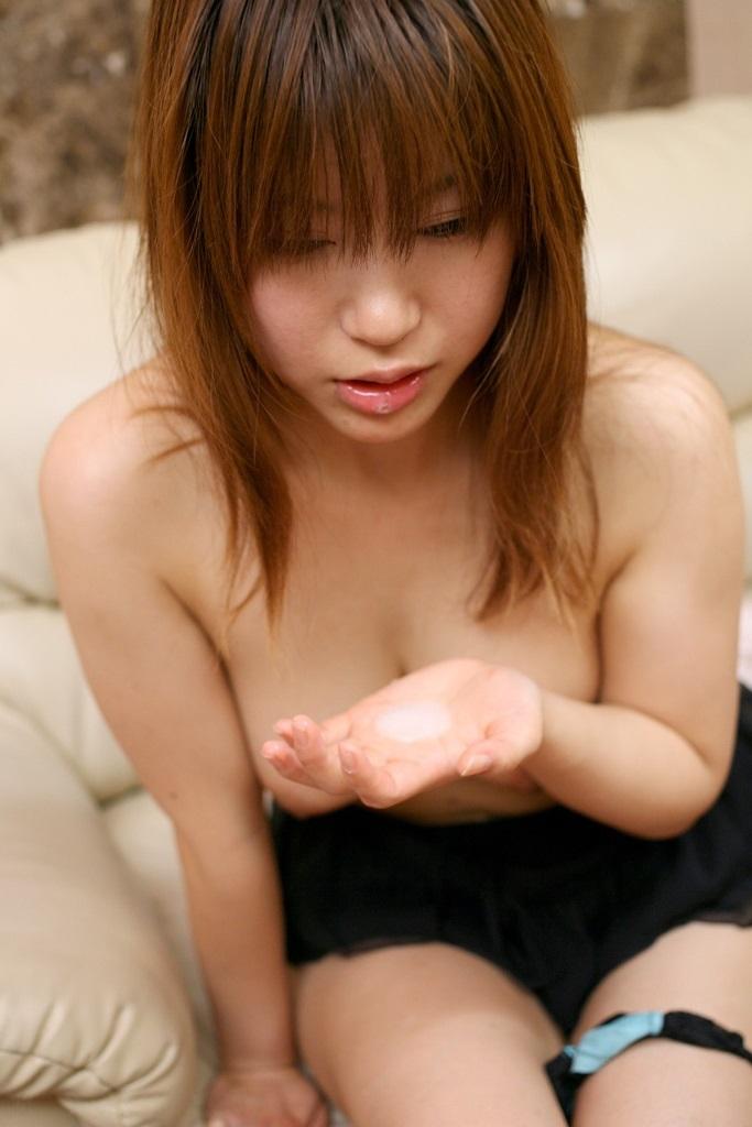 【口内発射エロ画像】女の子の口内に男の欲望の汁をたっぷりぶちまけたったwww 41