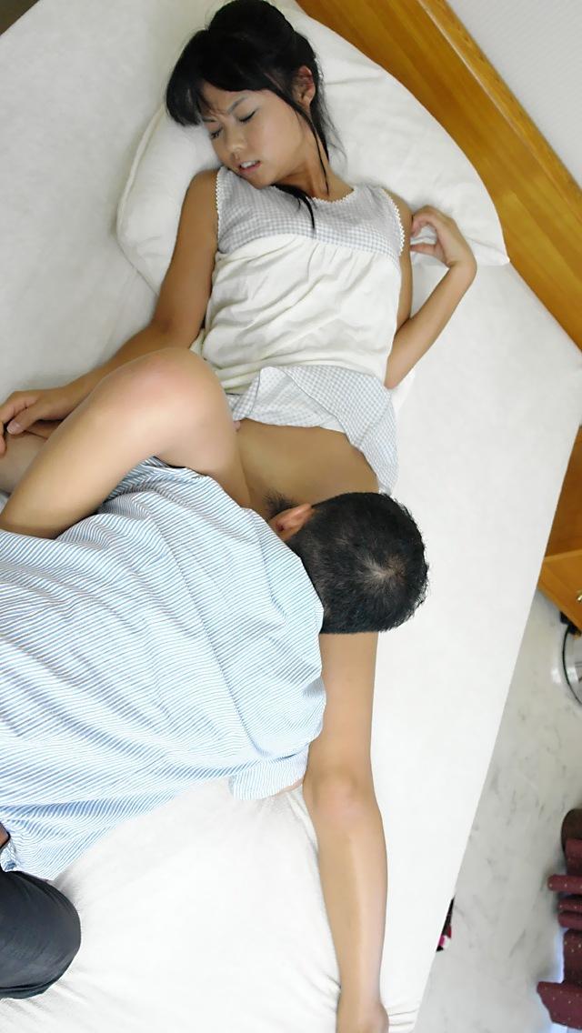 【クンニリングスエロ画像】オマンコ好きなやつが必ずセックス前にやるプレイww 35