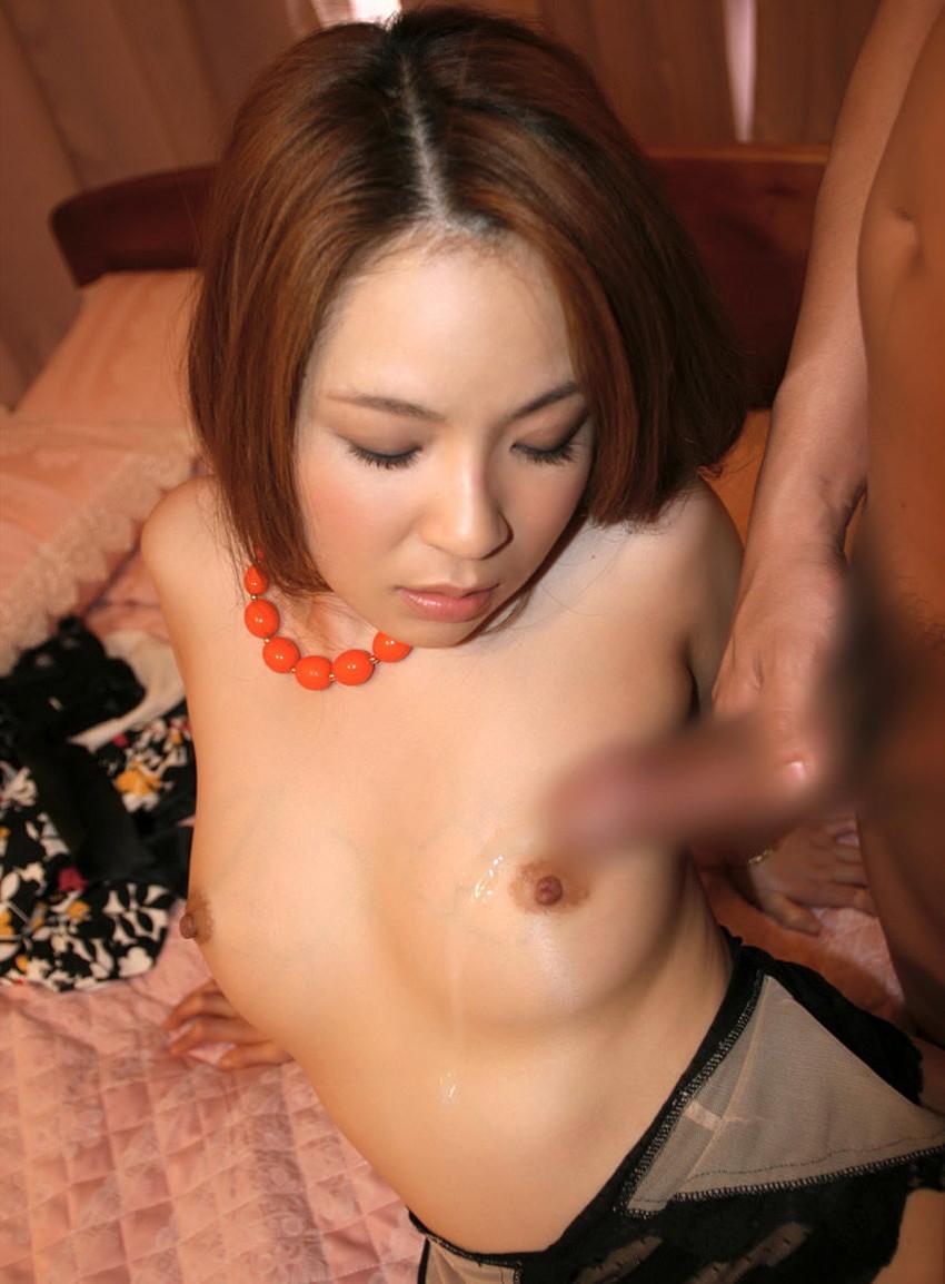 【射精エロ画像】これはセックス事後?女の子の体にぶっかけられたザーメンが卑猥すぎ! 16