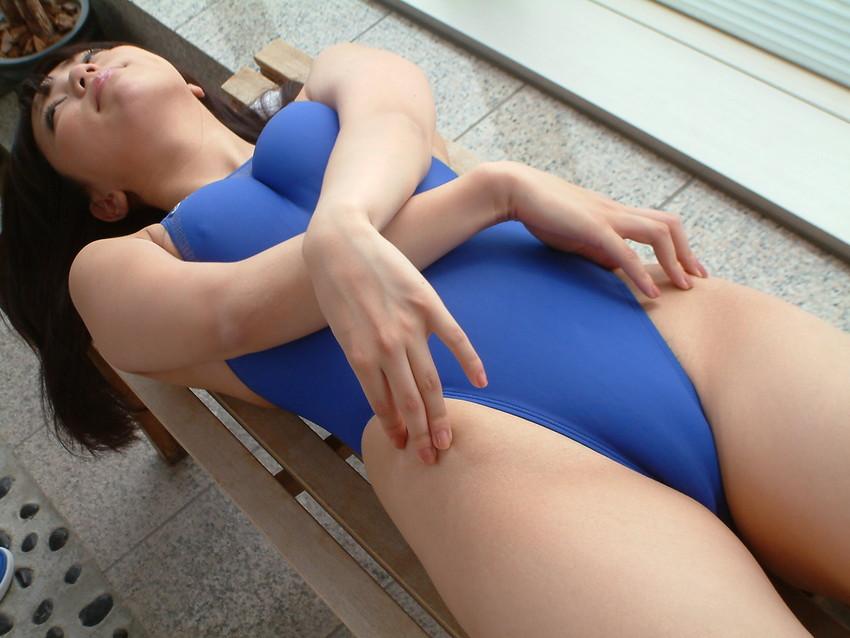 【競泳水着エロ画像】競泳用と侮る事無かれ!ここまでエロい競泳水着www 37