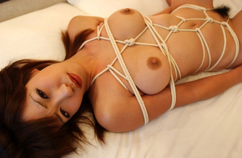 【緊縛エロ画像】マンネリカップルよ、お試しあれ!緊縛された女の子の身体がソソる! 17