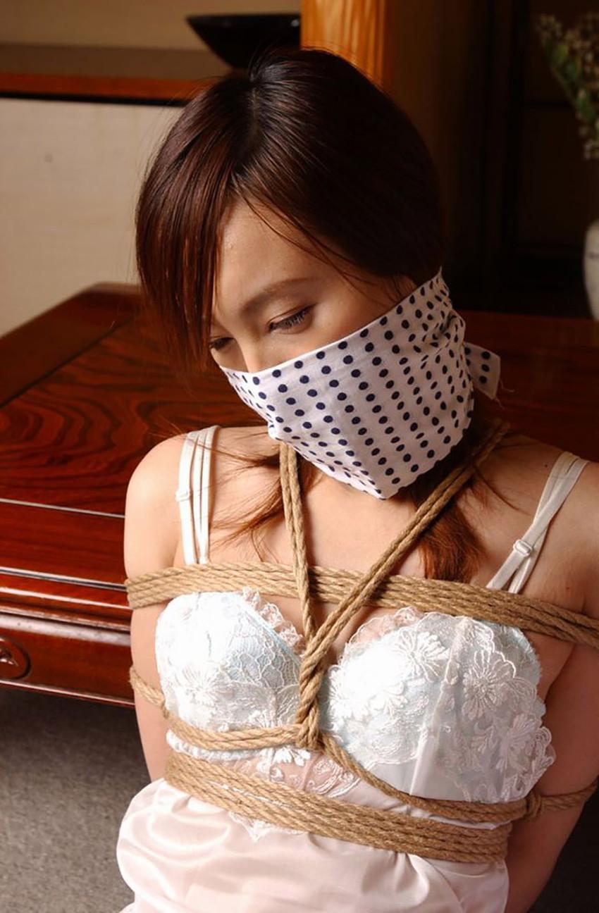 【緊縛エロ画像】マンネリカップルよ、お試しあれ!緊縛された女の子の身体がソソる! 24