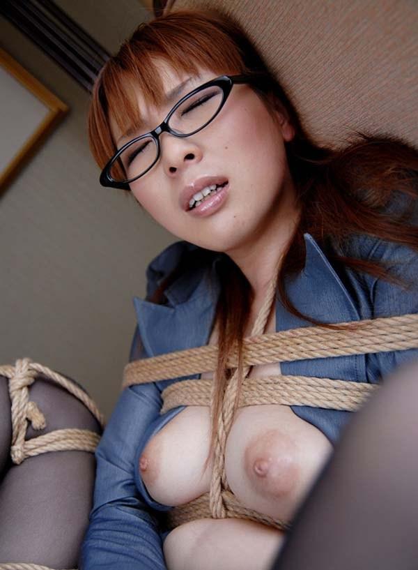 【緊縛エロ画像】マンネリカップルよ、お試しあれ!緊縛された女の子の身体がソソる! 40