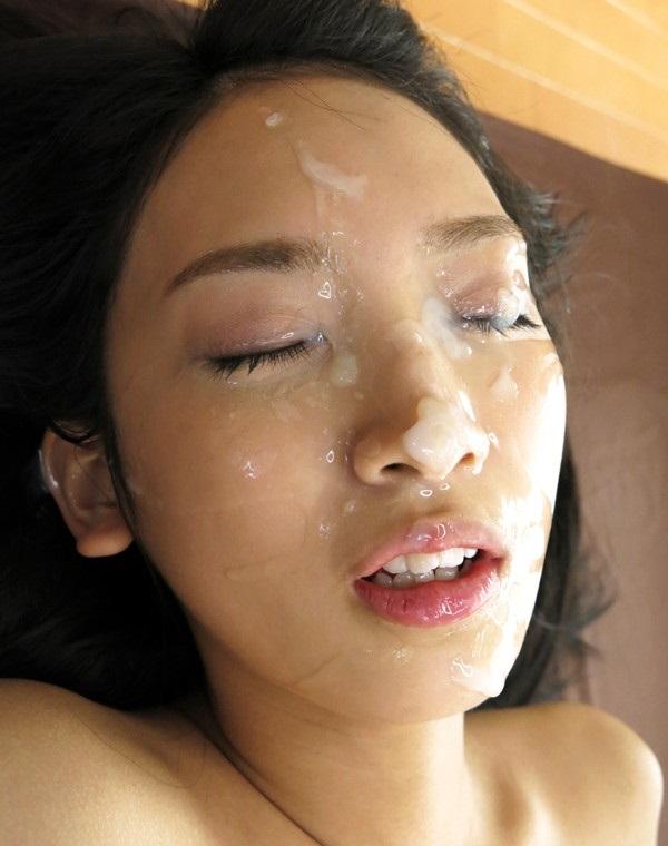 【顔射エロ画像】顔射されて顔面がザーメンにまみれた女の子の表情がソソる! 08